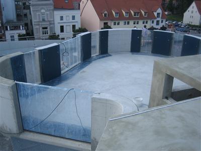 Schwimmbecken & Aquarien